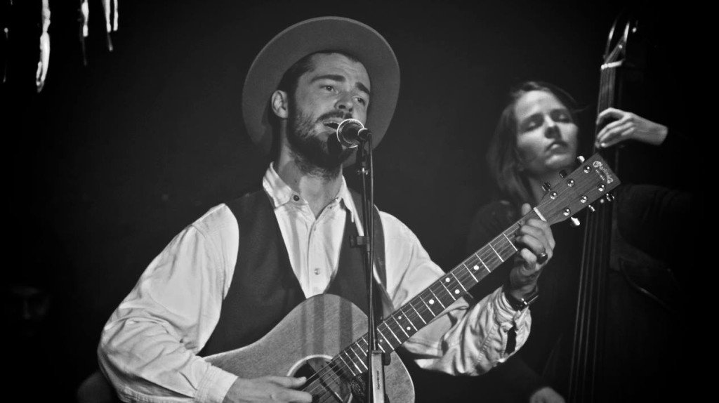 Laurent Marion au sentier des  Halles pour son concert le 16/05/2014 (C) Kitsuney