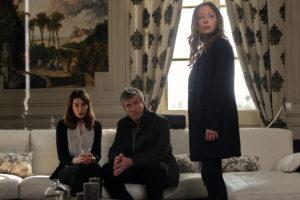 Valerie KAPRISKY, Philippe CAROIT, Dounia COESENS dans MEURTRES A LA ROCHELLE